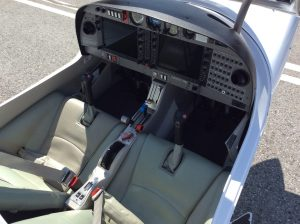 Cockpit of Galvin Flying's Diamond Star DA40